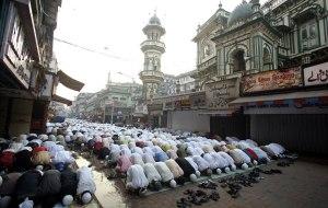 Oração em Mumbai