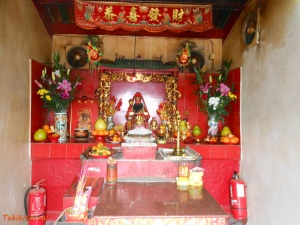 Interior do templo Hung Shing