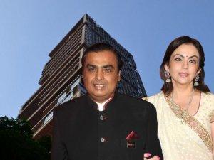 Mukesh Ambani e sua esposa