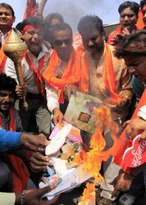 222121-activists-of-bajrang-dal-burn-greeting-cards-shout-slogans-during-prot