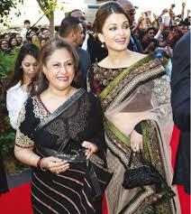 Nem a diva Aishwarya escapou da sogra, pois dizem que a sua se mete em tudo que ela faz!