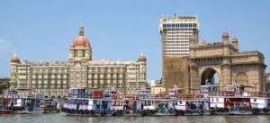 Taj Hotel e Gateway of India, um dos locais mais famosos da cidade