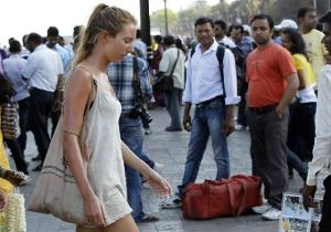 Gente, só um aviso: apesar do calor da peste que faz aqui, não dá para se vestir assim.