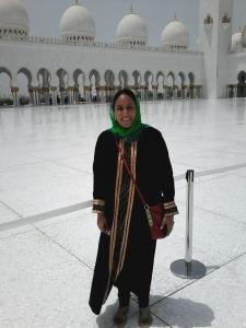Eu, com uma abaya emprestada, para poder entrar na mesquita.