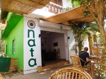 O simpaticissimo Cafe Nata, cujo dono e portugues e você encontra os deliciosos pasteis de Santa Clara.