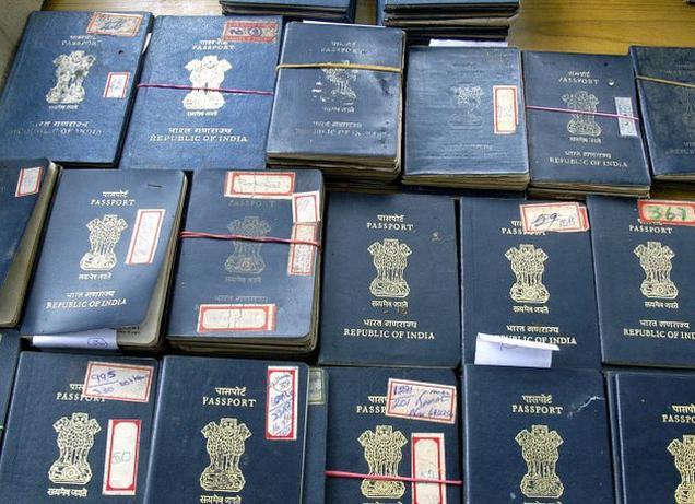 fake_passport_2621598f